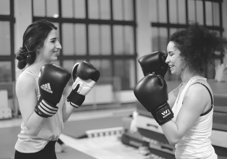 Les filles s'attaquent aux sports de combat