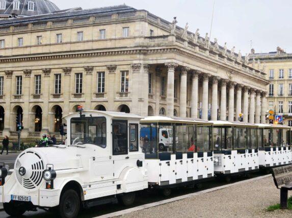 petit train - vélo trottinettes électriques Bordeaux