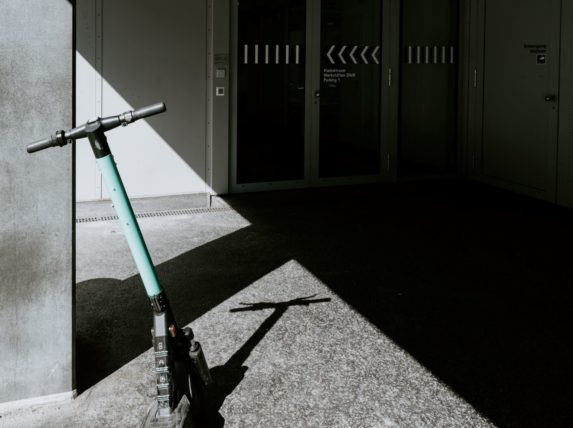 trottinettes et vélos électriques bordeaux