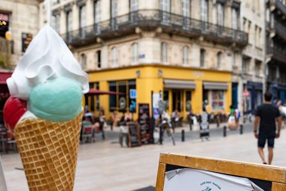 Place Fernand Lafargue à Bordeaux