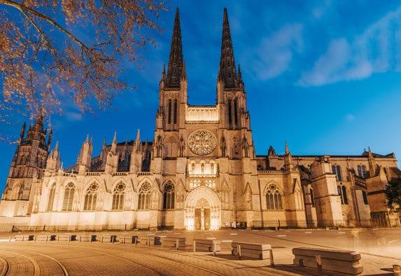 Cathédrale Saint-André à Bordeaux place Pey-Berland
