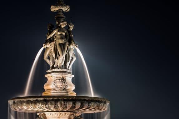 Fontaine des trois Grâces à Bordeaux, place de la Bourse