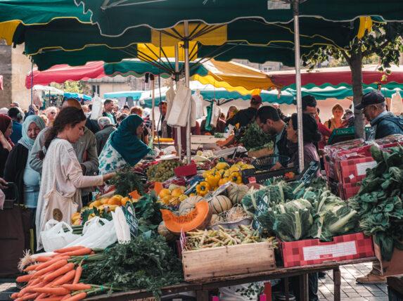 le marché royal place saint-michel à bordeaux