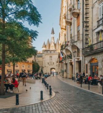 terrasse de bordeaux place du palais